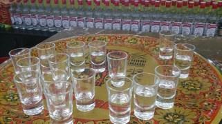 Free Vodka im Souvenir Shop