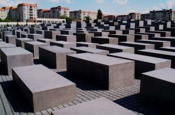 Holocaust memorial, Photo by K. Weisser, CC 2.0 via Wikimedia Commons