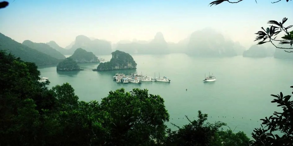 Ha-long Bay - Dragon Bay Cruises