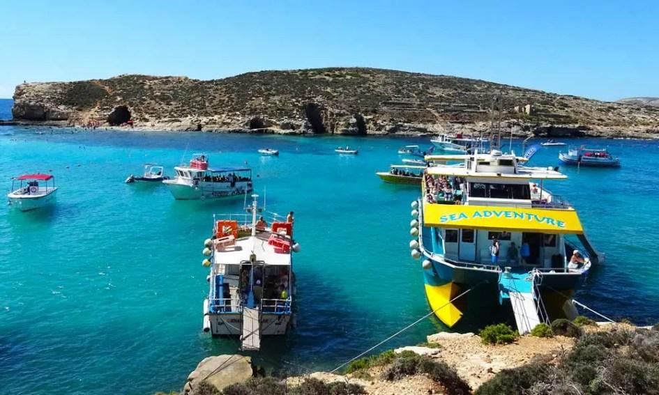 Comino boat tour