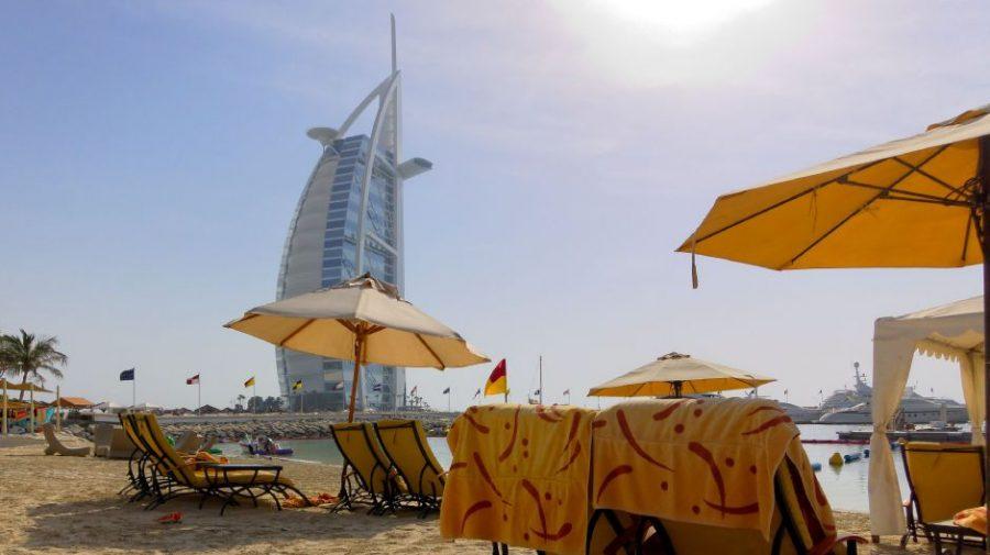 Jumeirah Beach Hotel Private Beach mit Blick auf den Burj al Arab