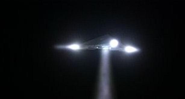 https://i0.wp.com/worldufophotosandnews.org/wp-content/uploads/2012/01/12-triangle-ufo.jpg