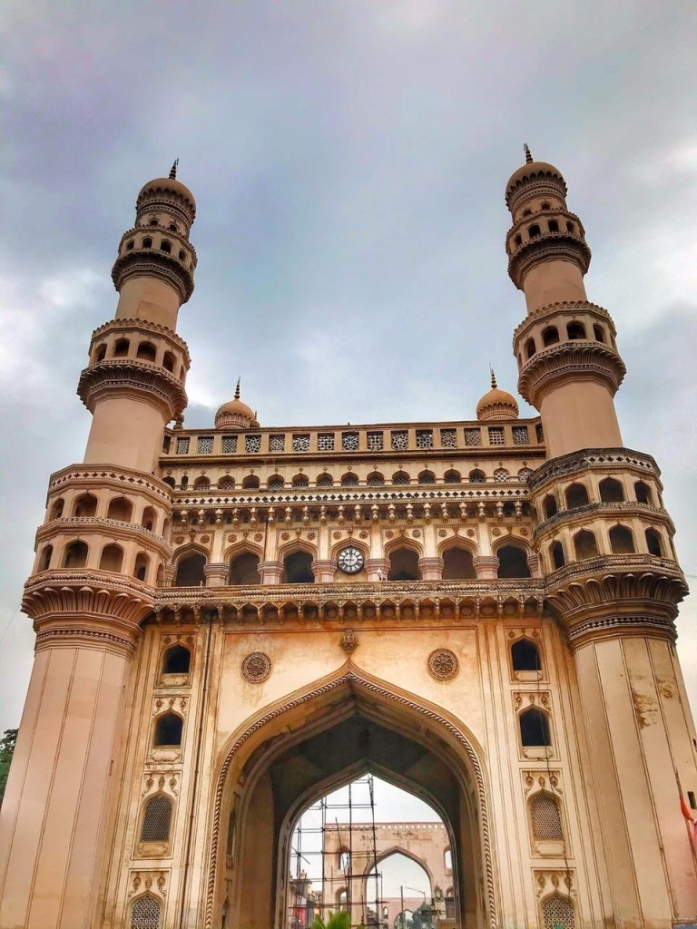 Charminar travel Guide to Hyderabad