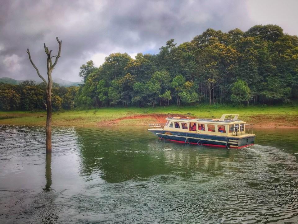 periyar boat tour