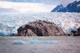 Lago Grey glacier