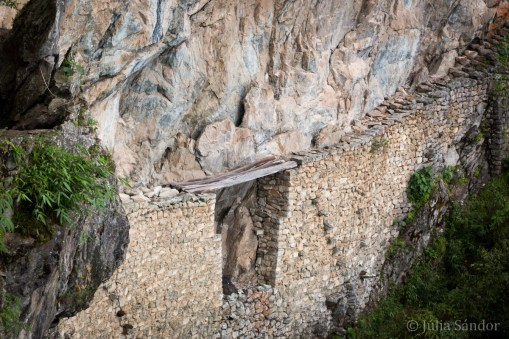 The Inca Bridge: would you dare to cross it?