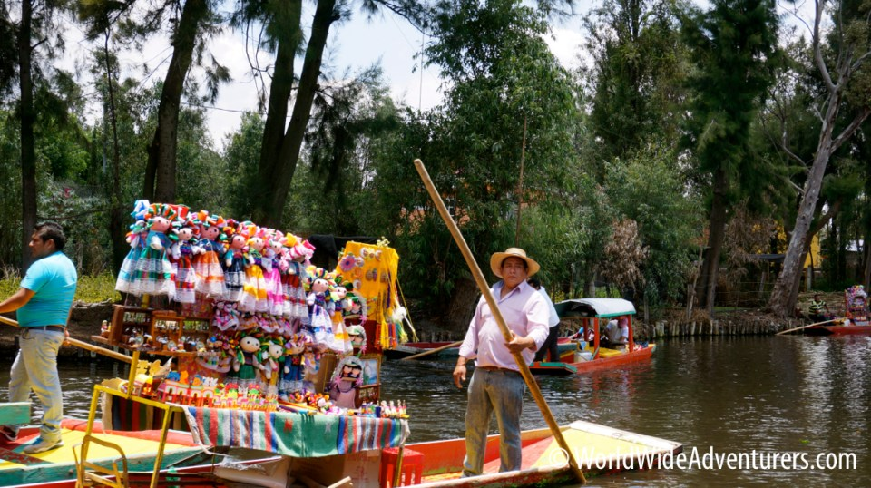Xochimilco floating shops