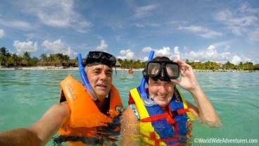 swimming-with-turtles-at-akumal-beach-mexico18