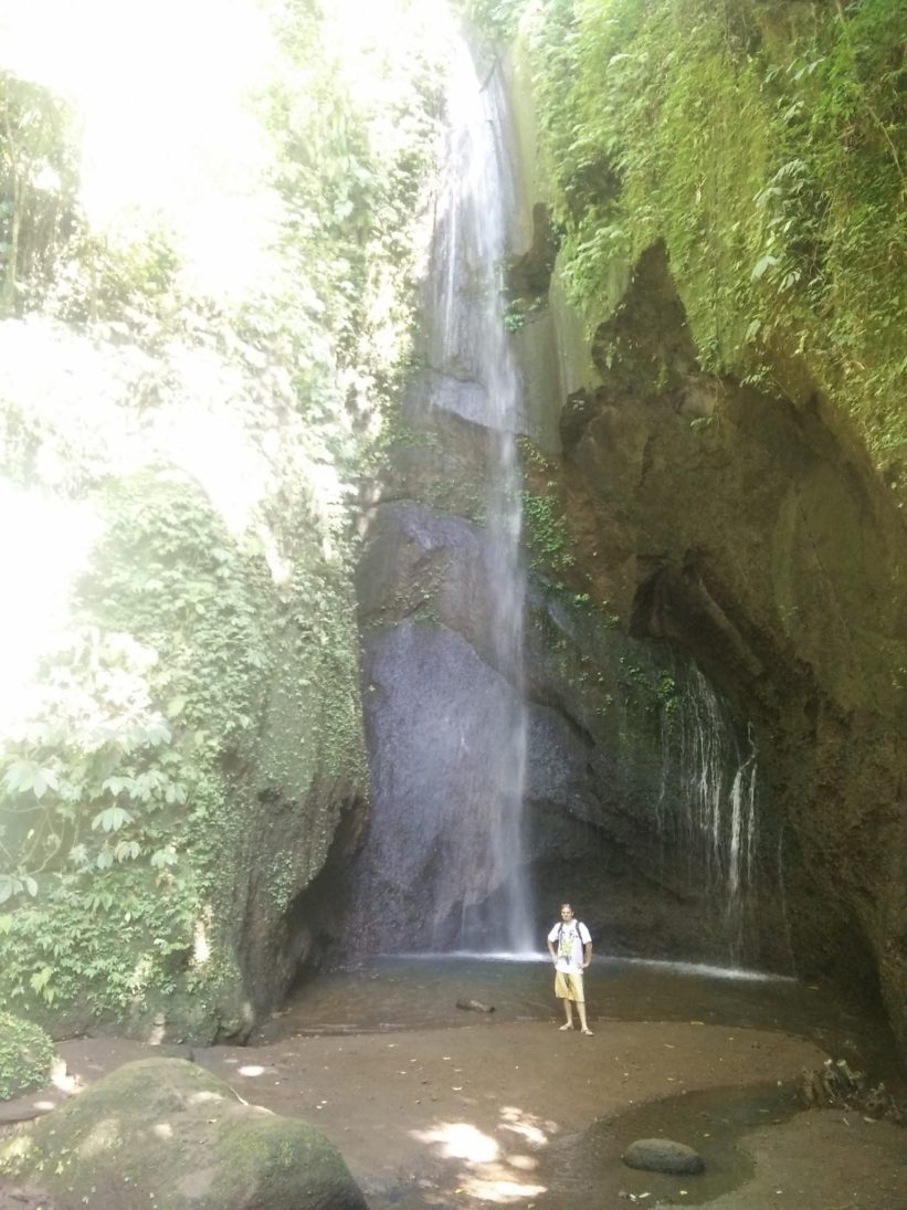 pengempu waterfall bali