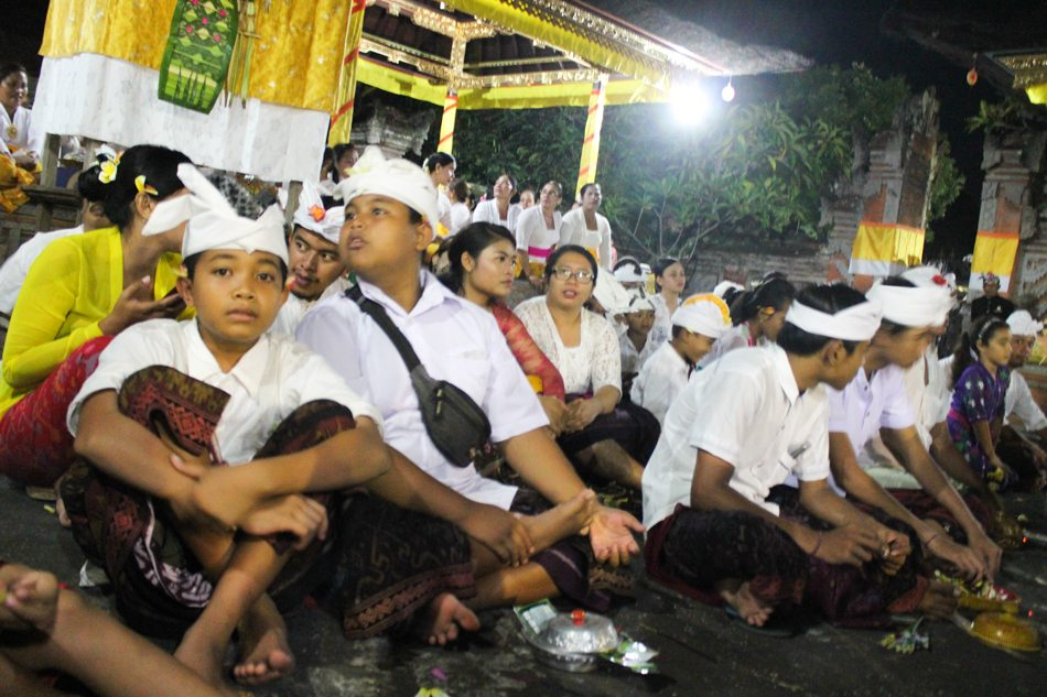 full moon ceremony in bali ubud