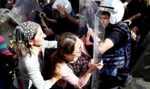 161027-frauen-polizeigewalt-diyarbakir