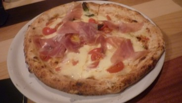 Le Reale Pizza at Fratelli la Buffala