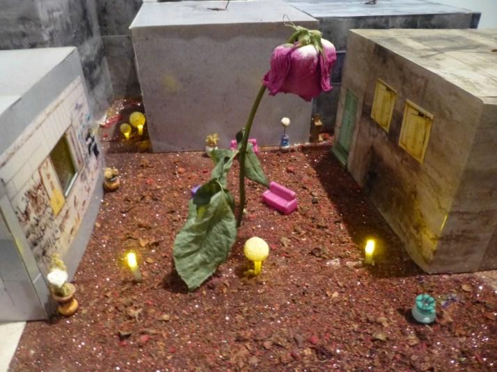 Qalanida 2087 Rose Courtyard Detail
