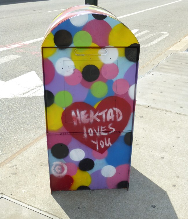 Hektad Loves You Distribution Box