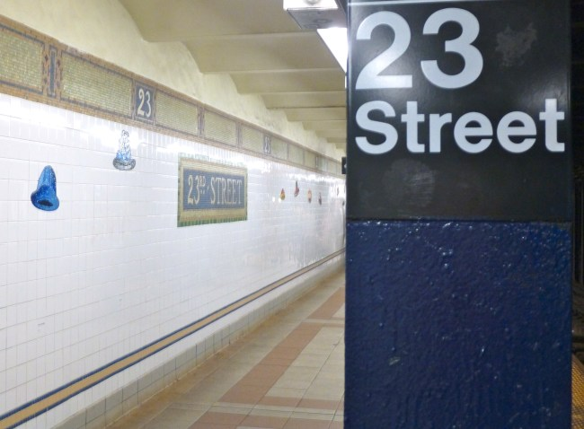 23rd Street Signage View
