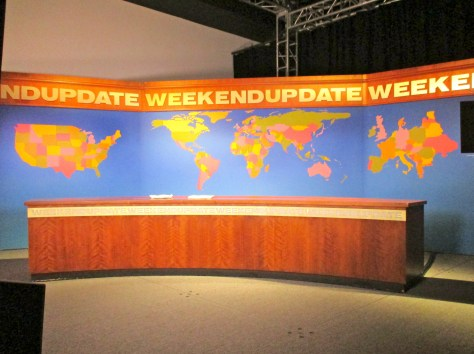 Weekend Update Desk Set
