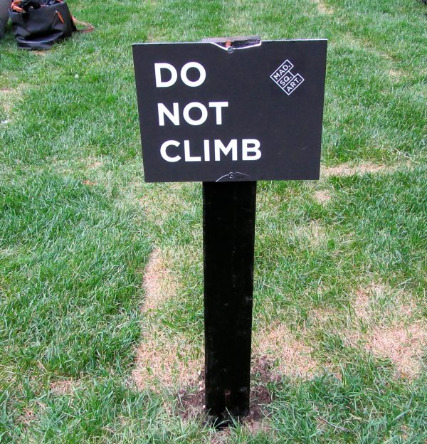 Do Not Climb Sign