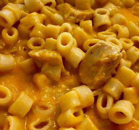 Sriracha Chicken Mac and Cheese