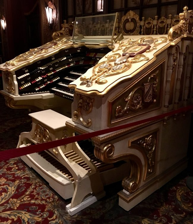 Wonder Morton Organ Console