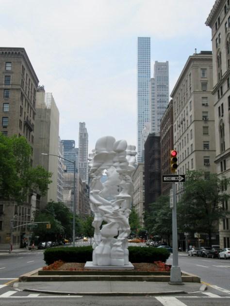 Runner (gebogen), 2017, Park Avenue at East 67th Street