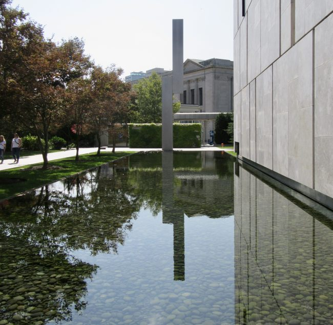 Barnes Foundation Exterior Shot with Reflecting Pool