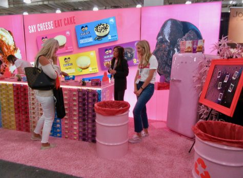 Belgian Boys Pink Booth