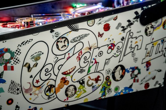led zeppelin pro pinball game cabinet detail