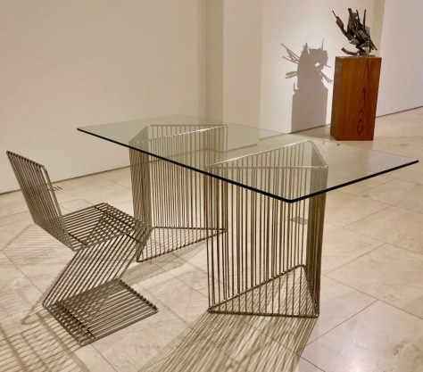 z chair and serie fil table photo by gail worley