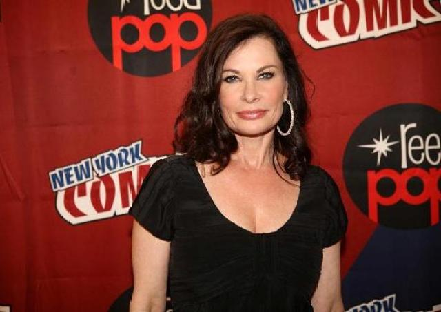 Jane Badler of original V & V Series at NYCC 2010