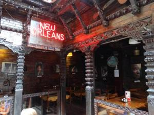 new-orleans-cafe