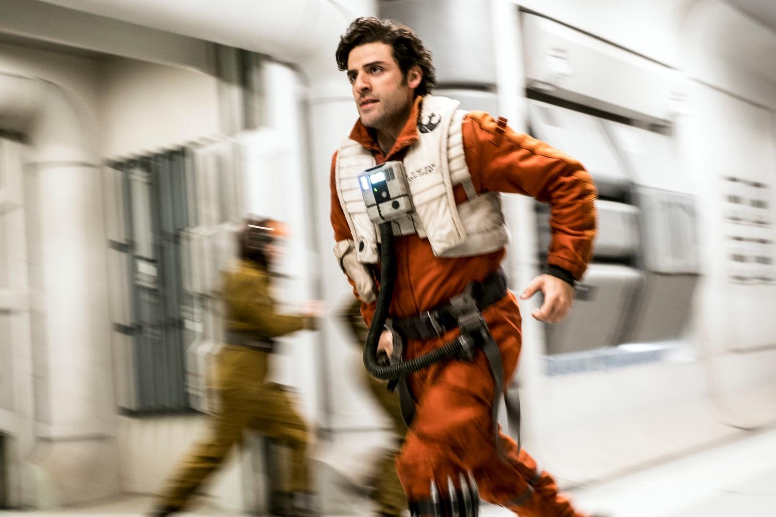 Poe Dameron (Oscar Isaac) Crédit photo : David James ©2017 Lucasfilm Ltd