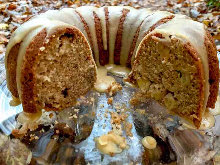apples abound in this cinnamon apple bundt cake