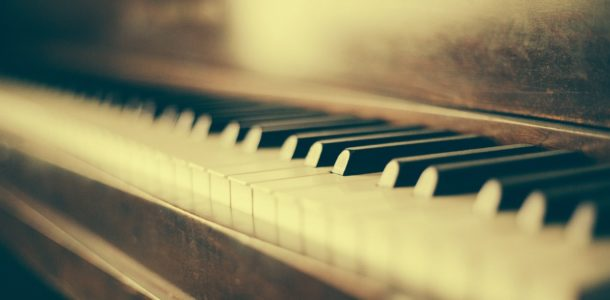 piano-349928_1920_Fotor