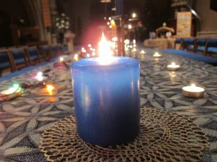 Blue Christmas service, Salisbury United Reformed Church, UK -- Ana Gobledale