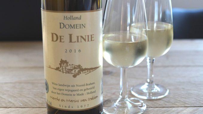 De Linie Wit 2016 wijn met proefglaasjes van de Brabantse Wijnbouwers