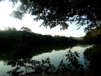 Der Rio Arajuno am Abend
