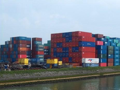 Mehr als Kräne gibts nur noch Container