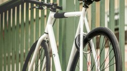I LOCK IT – The world's first fully automatic bike lock by haveltec