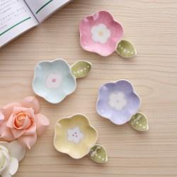 个性日式花与叶陶瓷碟