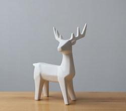 北欧创意家居工艺品客厅白色小鹿陶瓷摆件