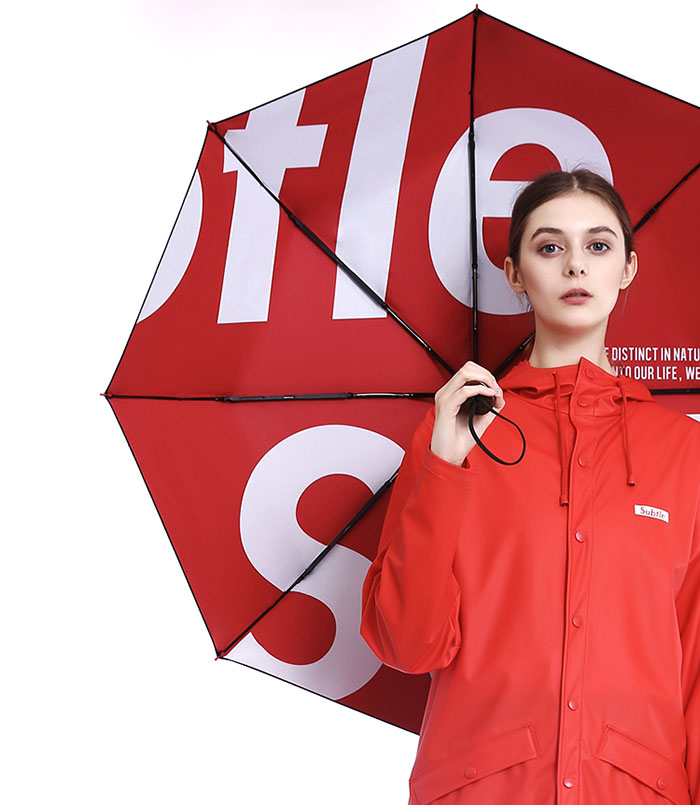Subtle潮牌雨伞,晴雨两用三折伞,原木伞柄,双层黑胶防晒