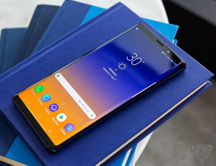 Samsung Galaxy Note 9 Smartphone, Complete with a revamped S Pen