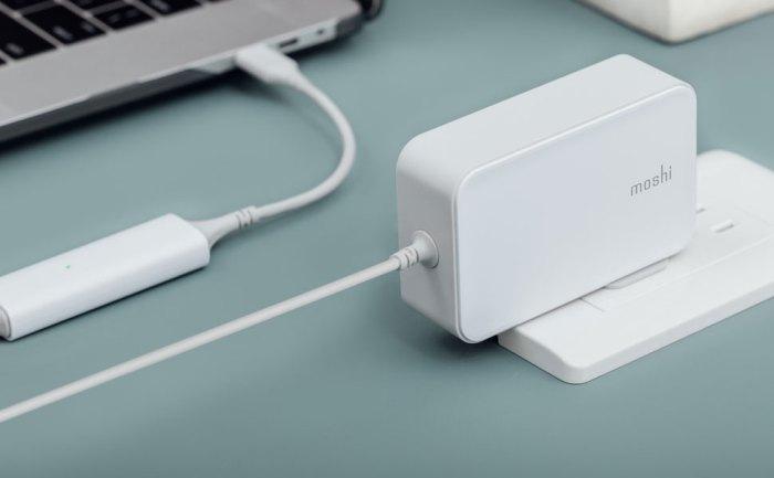 ProGeo USB-C Laptop Charger By Moshi