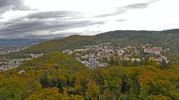 Blick über Erzgebirge und Karlsbad vom Diana-Turm