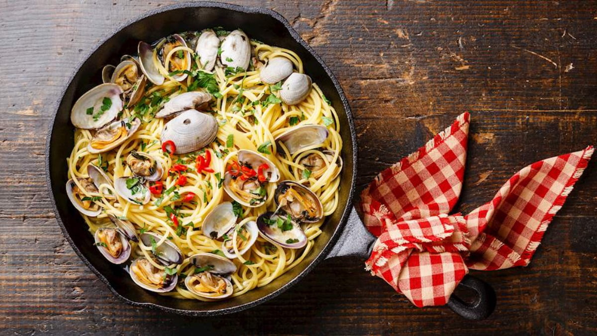 Linguine alle Vongole with Wine