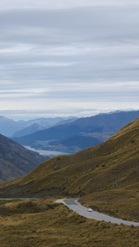 The Crown Range Road, the longer but more scenic option between Wanaka and Queenstown.