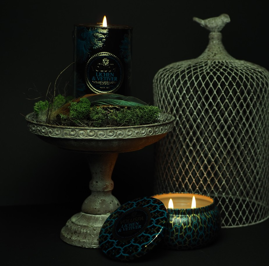 Świeca zapachowa Voluspa Lichen Vetiver