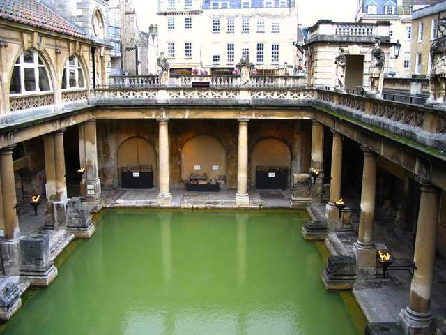 The-Roman-Bath-rediscovered-in-the-1800s