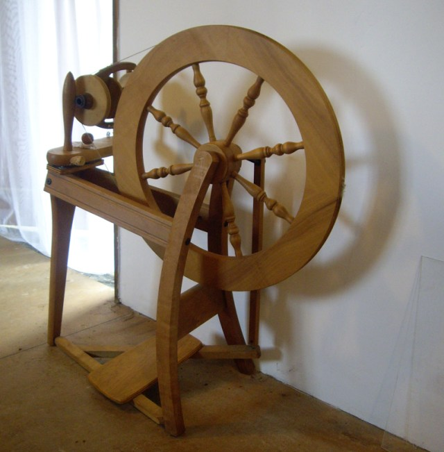 spinning wheel Julia Desch