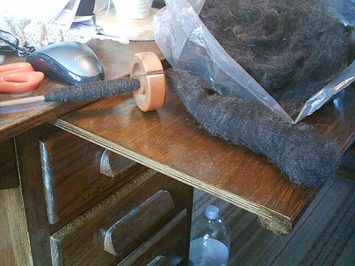 Gil Hardstone's spindle spun black cheviot fleece.